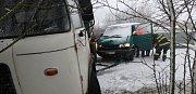Dopravní nehoda nákladního automobilu a dodávky u Velichovek.