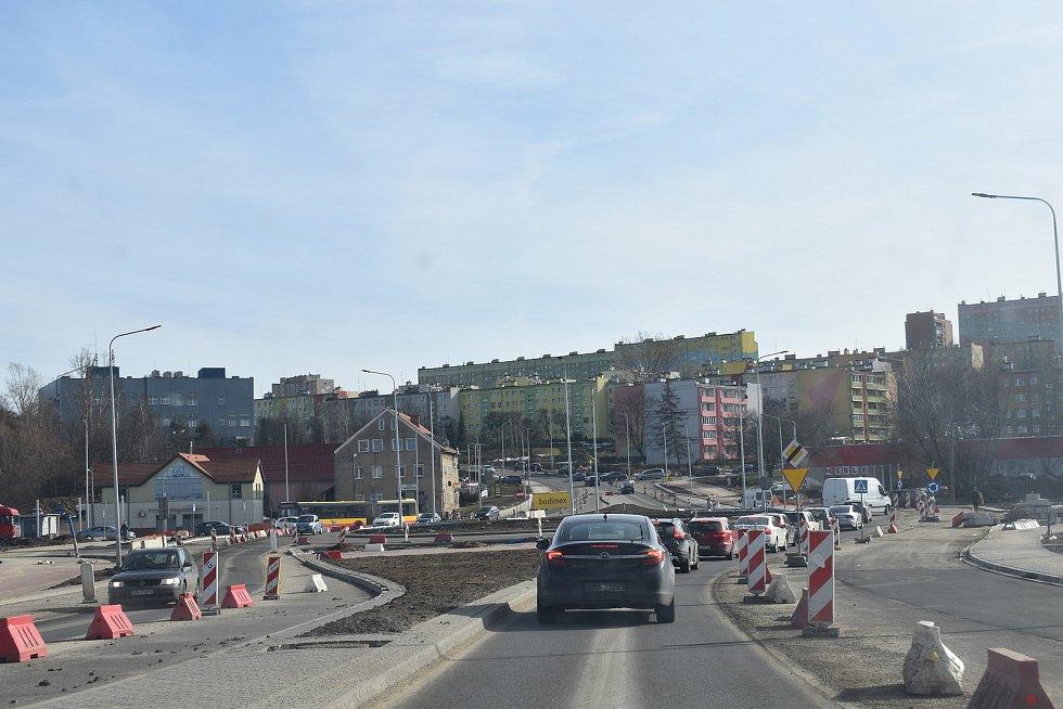 Valbřich v současnosti prochází rozsáhlou rekonstrukcí dopravní tepny.