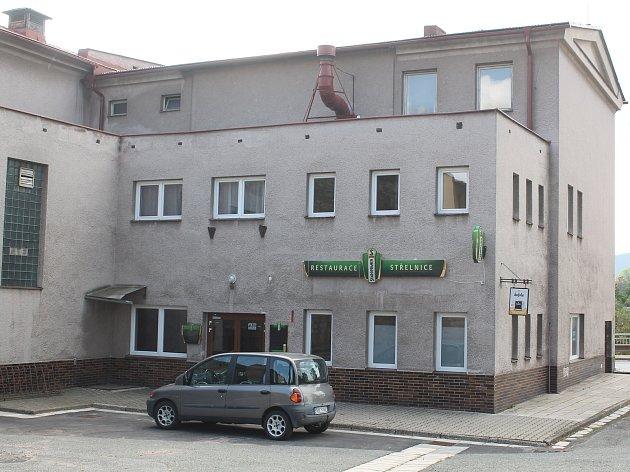 Restaurace Střelnice patřila kzákladnám broumovského pohostinství. Město do ní už přes dva roky shání nájemce.