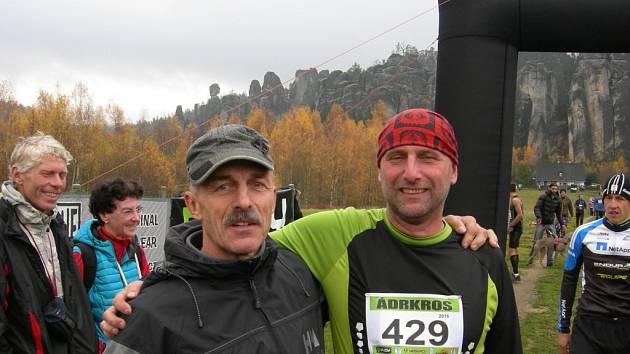 Ádrkros je závod s tradicí od roku 1980, kdy ho poprvé uspořádala dvojice horolezců, známých jako Pete a Piki.