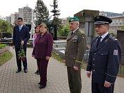 V Náchodě uctili památku padlých vojáků položením věnců nejprve na Staroměstském hřbitově u památníku Rudé armády či u společného hrobu padlých vojáků 291. gatčinské divize Sovětské armády.