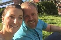 Markéta Klemmová z Náchoda žije s přítelem Anthonym ve Velké Británii.