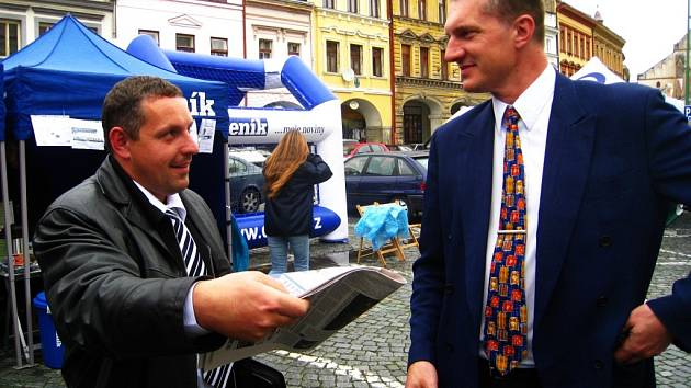 Záměr zřídit v Josefově věznici představil Miloslav Kašpar (vlevo). Vpravo starosta Jaroměře Jiří Klepsa.