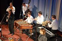 Benefiční koncert Hradišťanu na podporu hospicové péče o těžce nemocné se uskutečnil v Městském divadle Dr. Josefa Čížka.