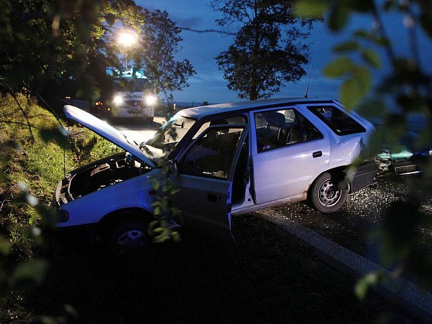 Nehoda na hlavním tahu z Náchoda do Nového Města nad Metují.