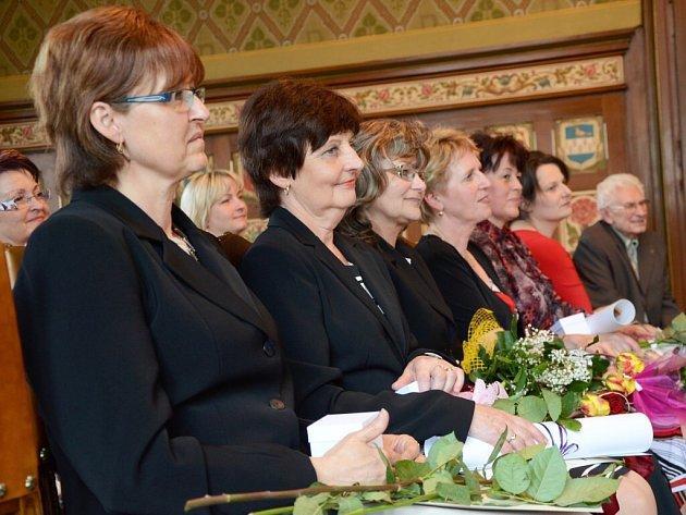 Město Náchod ocenilo pedagogy roku 2013.