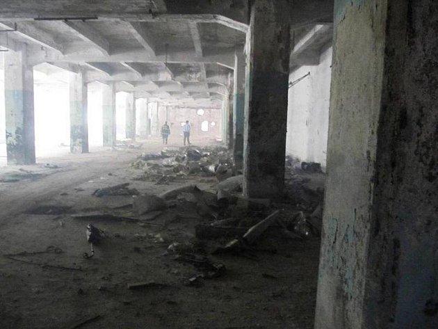 Požár bývalé výrobní haly.