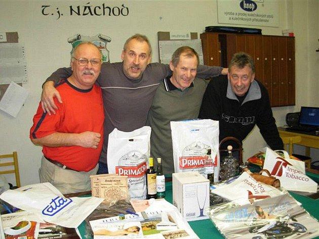 Nejlepší  čtveřice Vánočního turnaje s hendikepem. Zleva stojí celkově třetí Antonín Umlauf, dále pak druhý Libor Ciasto, vítězný Antonín Nikl a čtvrtý Alexej Kejzlar.