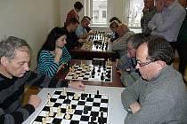 Pouze šestnáct účastníků, nejméně v historii, čítal 48. ročník náchodského bleskového turnaje.