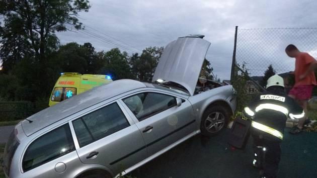 Havárie osobního automobilu ve Vižňově.