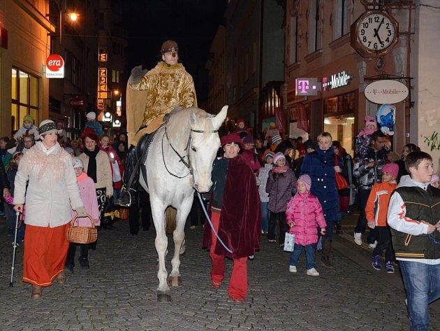 Příjezd svatého Martina na bílém koni.