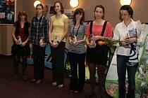 Oceněno bylo také v současnosti i extraligové družstvo žen SK Nové Město nad Metují. Část týmu si svou cenu převzala už v pátek, zbytek ji obdrží od organizátorů dodatečně.