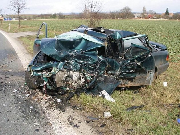 K tragické nehodě došlo v pondělí 16. března v obci Hořenice (Náchodsko) ve směru na Dvůr Králové nad Labem.