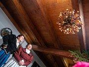 Adventní prohlídky na zámku v Ratibořiích a ve mlýnu v Babiččině údolí.