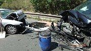 Při nehodě se zranilo pět lidí.