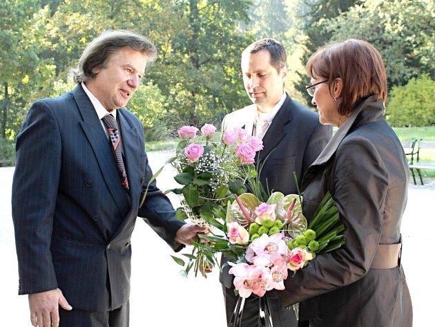 Ministryni kultury Alenu Hanákovou uvítali na zámku v Ratibořicích.