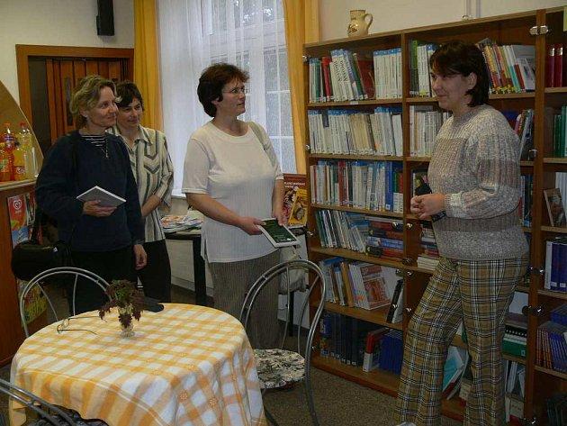 SOUČÁSTÍ kurzu domácího ošetřování je také prohlídka prostor Hospice Anežky České (na snímku čajovna).