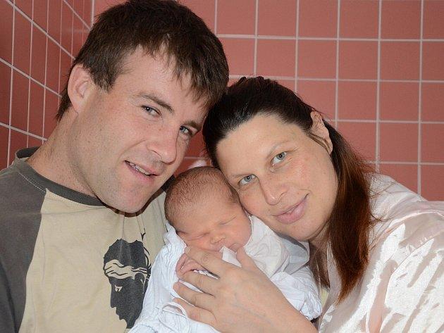 JAN BENEŠ se narodil 1. srpna 2012 v 9:01 hodin s váhou 4075 g a délkou 53 cm. S rodiči Ivonou a Jiřím, a s bráškou Jeremi (3 roky), mají domov ve Rtyni v Podkrkonoší.