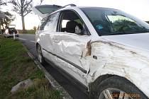 Náraz do stromu řidič ustál bez zranění.