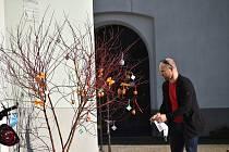 Zatím nejteplejší den letošního roku vylákal do parků či na náměstí spousty Novoměšťáků, kteří si užívali jarního sluníčka.