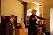 Jiřinkové slavnosti odstartovali Hrušková a Přeučil představením pro studenty.