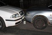 Čtrnáctiletý za volantem ujížděl hlídce v Broumově.