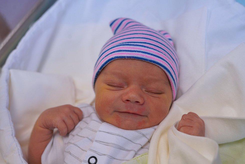 Filip Maršík z Nového Města nad Metují je prvním děťátkem manželů Lenky a Martina. Chlapeček se narodil 26. ledna 2020 v 04,43 hodin a jeho míry byly 3020 gramů a 47 centimetrů.
