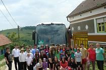 Expedice novoměstských školáků ze základní školy Komenského se letos opět chystá na pomoc krajanům v rumunské vísce Gernik v oblasti Banátu.