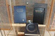 Ďáblova bible bude společně s výtisky jiných biblí v Červeném Kostelci k vidění do 13.  května.