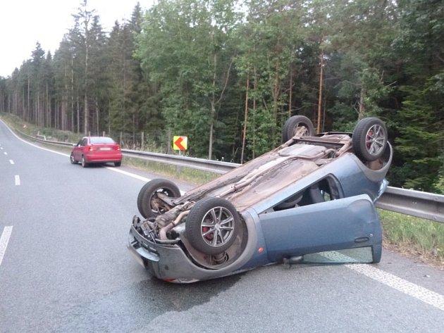 Havárie osobního automobilu vúseku zvaném Pasa.