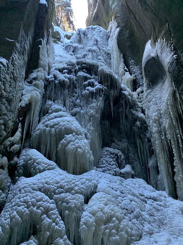 Královéhradecký kraj, Adršpach. Velký adršpašský vodopád pod Adršpašským jezírkem.