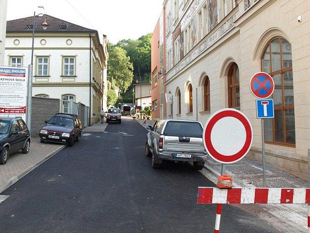 Zámecká ulice v Náchodě.