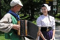 """Na Státním zámku v Ratibořicích a v Babičině údolí se uskutečnila tradiční akce """"Oživení postav z Babičky"""" Boženy Němcové."""