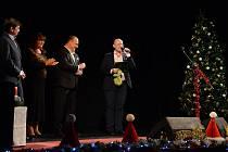 Adventní koncert se uskutečnil v Městském divadle Dr. J. Čížka v Náchodě. Vystoupili Hana Křížková, Marián Vojtko, Yvetta Blanarovičová, Leona Gyöngyösi a Michaela Nosková.