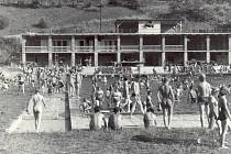 Novoměstké koupaliště v době jeho největší slávy navštívilo denně na 800 lidí. Foto: Archiv Jiřího Podolského