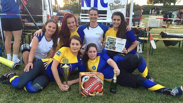 ČASEM 20,38 vteřiny zvítězily v prvním podzimním klání V&H Print hasičské ligy ženy Kramolny NTC.