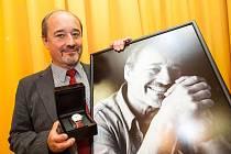 VIKTOR PREISS převzal cenu za celoživotní přínos filmu.