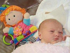 KLAUDIE LAVIČKOVÁ se narodila 3.11.2011 ve 21:44 hodin s váhou 3060 g a délkou 49 cm. S rodiči Dianou a Matějem, a s bráškou Matyáskem (3), má domov ve Velkém Poříčí.