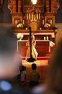 Čtvrtý koncert hudebního festivlu Za poklady Broumovska zavedl milovníky klasické hudby do kostela sv. Jakuba Většího v Ruprechticích, kde svou hrfu rozezněla Kateřina Englichová.