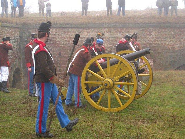 Silvestrovské střelby 09 v josefovské pevnosti.