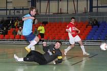 Běloveský trenér Robin Goll musel zaskočit v brance a jeho svěřenci ho zde příliš nepodpořili.
