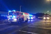 Svědkům se podařilo zahasit hořící kabeláž pod palubní deskou ještě před příjezdem hasičů pomocí hasicího přístroje.  Za vznikem požáru stála technická závada na elektroinstalaci.