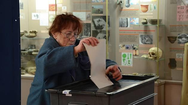 Volební místnost v Muzeu Náchodska na Masarykově náměstí v Náchodě.