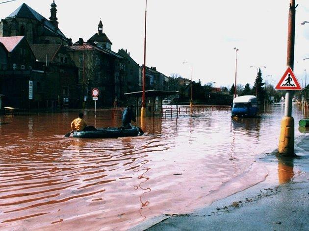 Obyvatelé Jaroměře na rok 2000 jen tak nezapomenou. Tehdy město zasáhla ničivá povodeň.