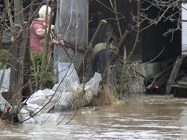 V minulých letech například ve Velkém Poříčí (na snímku) záplavy způsobily zdejším obyvatelům nemalé starosti.