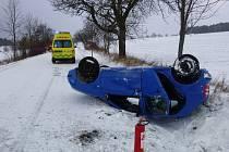 Havárie osobního automobilu u Pěkova.