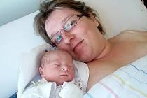 BÁRA MACKOVÁ  se narodila 6. září 2011 v 9:36 hodin s délkou 49 cm a váhou 3065 g.  S maminou Ivetou Mackovou a bratříčkem Jakubem (2,5), má domov v Olešnici v Orlických horách.