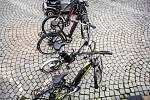 Akce Čistá mobilita na náměstí v Náchodě.