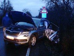 Řidič vyvázl z nehody u železničního přejezdu bez zranění