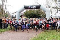 HURÁ DO SKAL! Stovky běžců vyrazily na devítikilometrový běh napříč Adršpašským skalním městem.